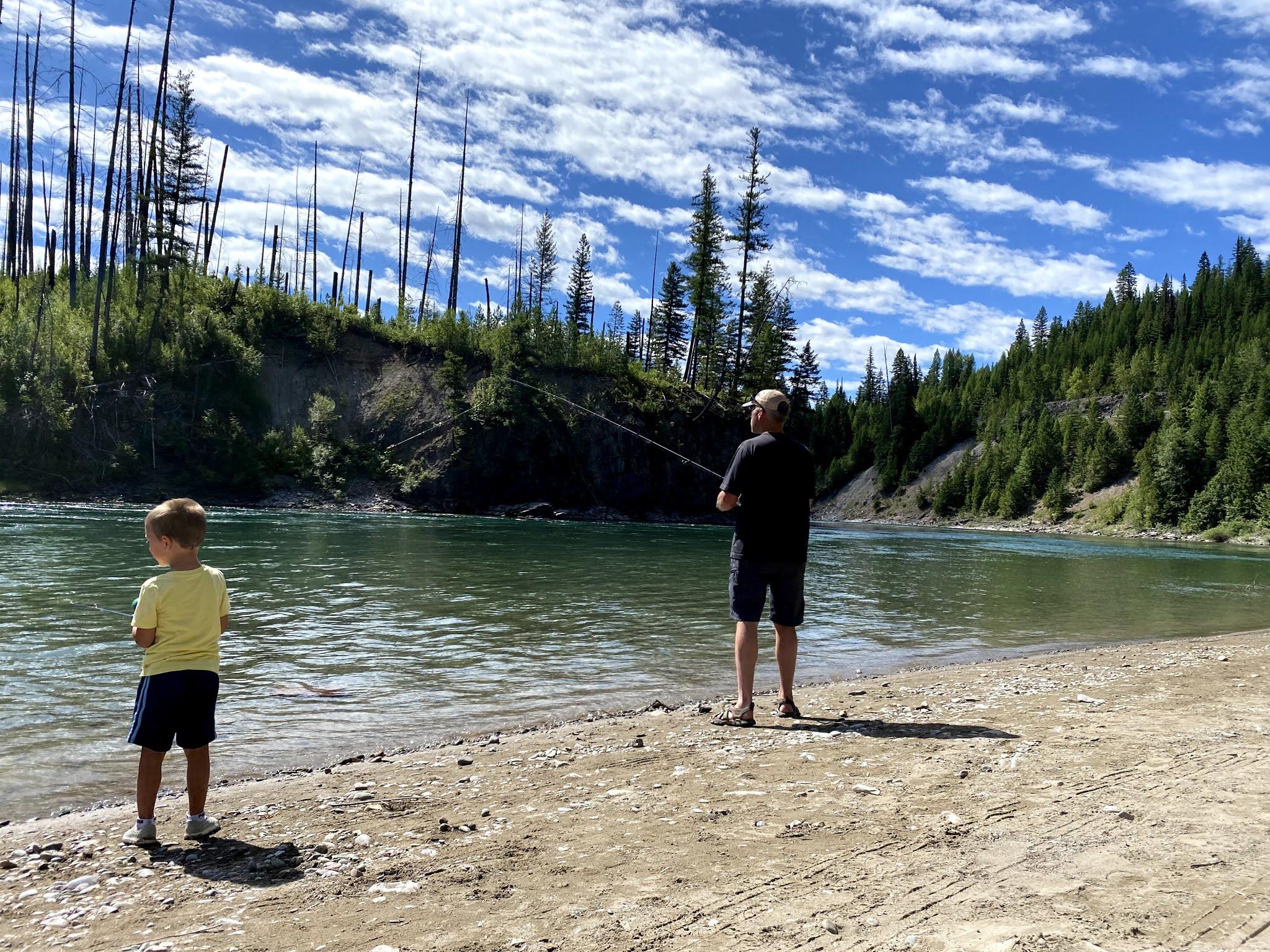Glacial Lake in Montana | biblio-style.com