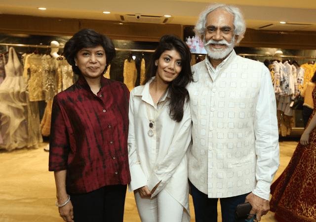 Bharti,  Tanira  and Sunil Sethi-min
