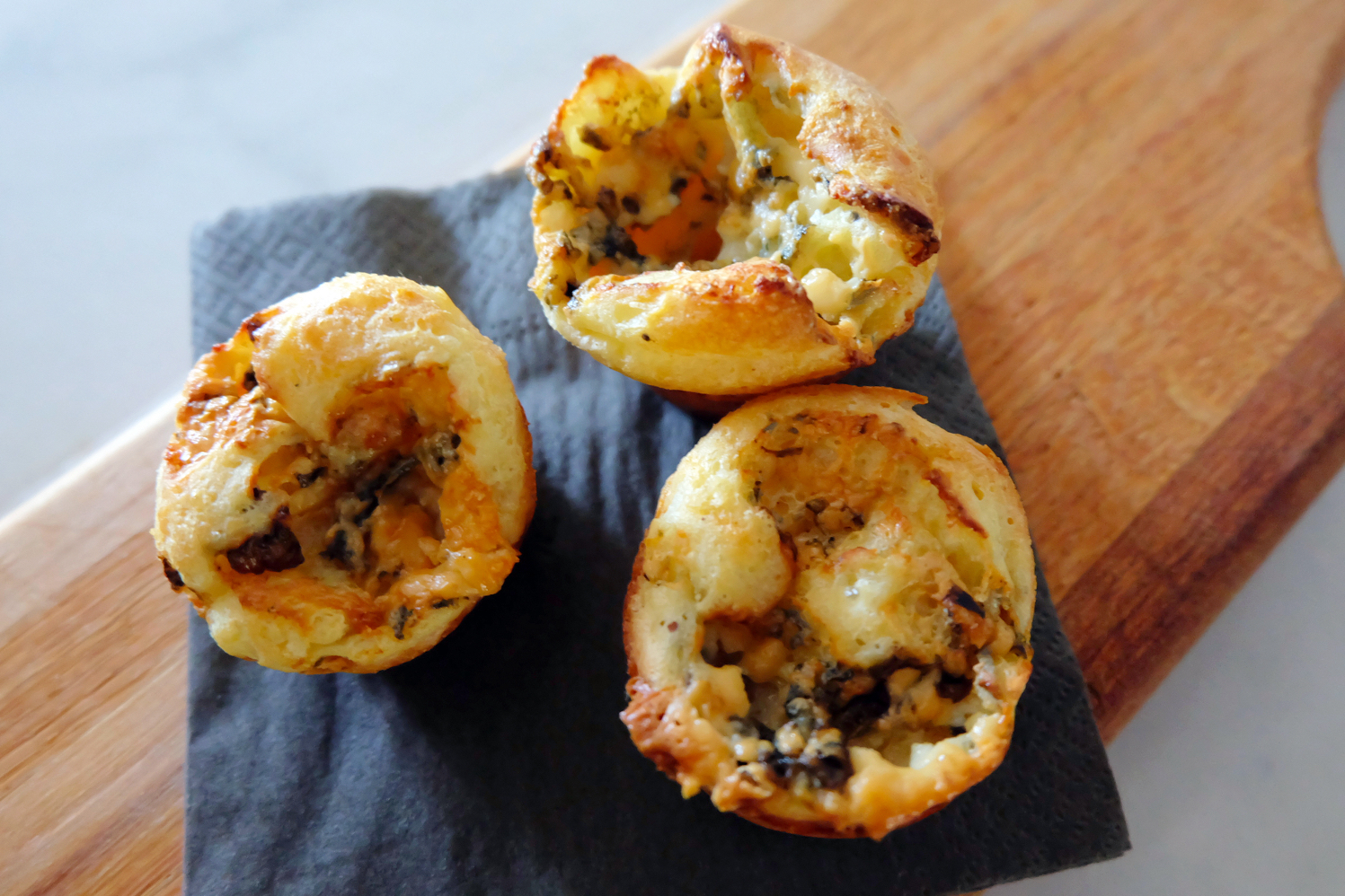 bleu cheese popover muffins