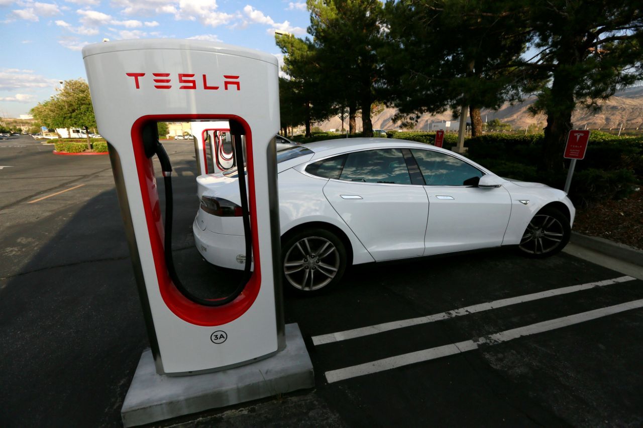 Apple explores charging stations for electric vehicles