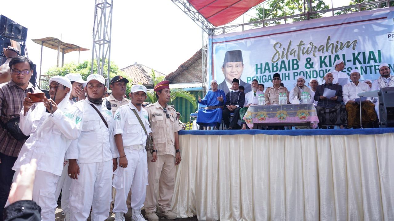 Laskar Fpi Kawal Silaturahim Habaib Dan Kiyai Bersama Prabowo