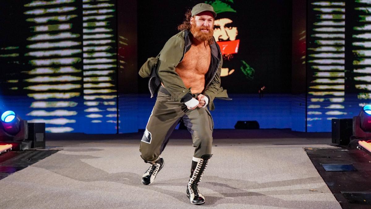 Roman Reigns quer que Sami Zayn receba mais tempo na WWE TV