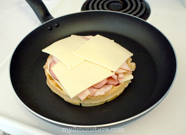 Make tonight Breakfast Night with these delicious Monte Cristo Waffles from my3monsters.com !