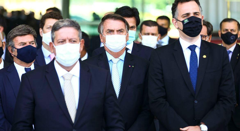 Centrão governa. Bolsonaro levou uma calça arriada. Por Paulo Cidmil
