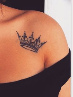 Sexy Collar Bone Crown Tattoos For Women