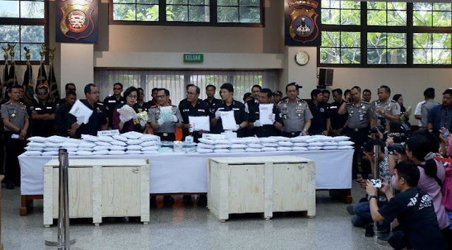 Ngeri, Dalam Lapas Nusakambangan, Aseng Bawa Masuk 1.2 Juta Ekstasi Ke Indonesia