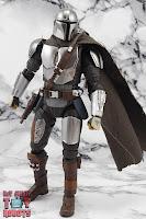 S.H. Figuarts The Mandalorian (Beskar Armor) 61