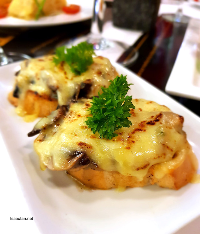 Amuse Bouche - Mushroom Bruschetta (RM8)