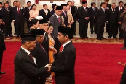 Petugas Partai Lantik Ketua Partai Jadi Pengarah UKP Pancasila, Netizen: Wajar, Kan Emaknya!