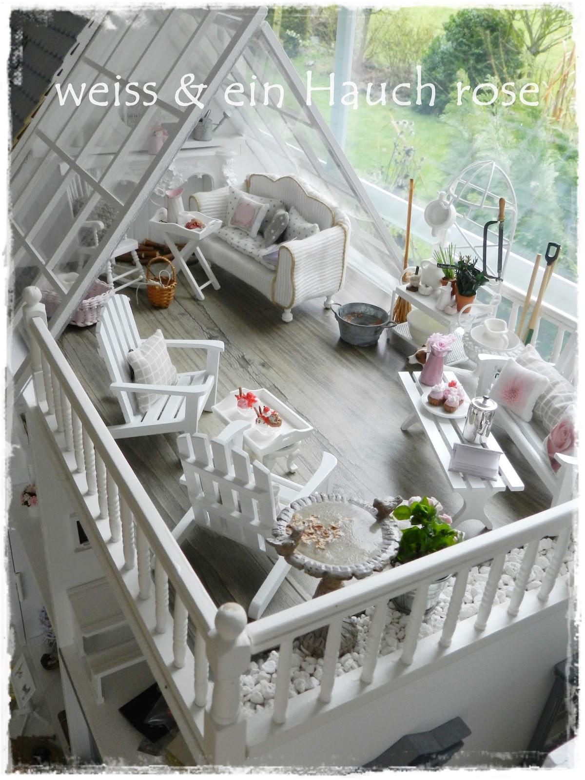 wei ein hauch ros dachterrasse im puppenhaus. Black Bedroom Furniture Sets. Home Design Ideas