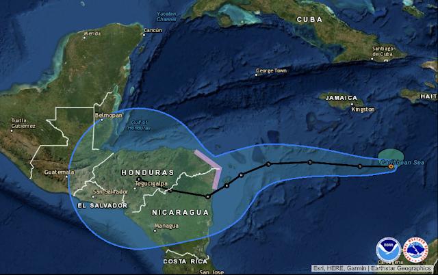 Eta se mueve hacia el oeste sobre el Mar Caribe Central; expectación de los meteorólogos