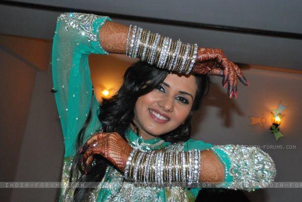 Indian Celebs Gallery: Shaleen Bhanot And Daljit Kaur ... Daljeet Kaur Bhanot Baby
