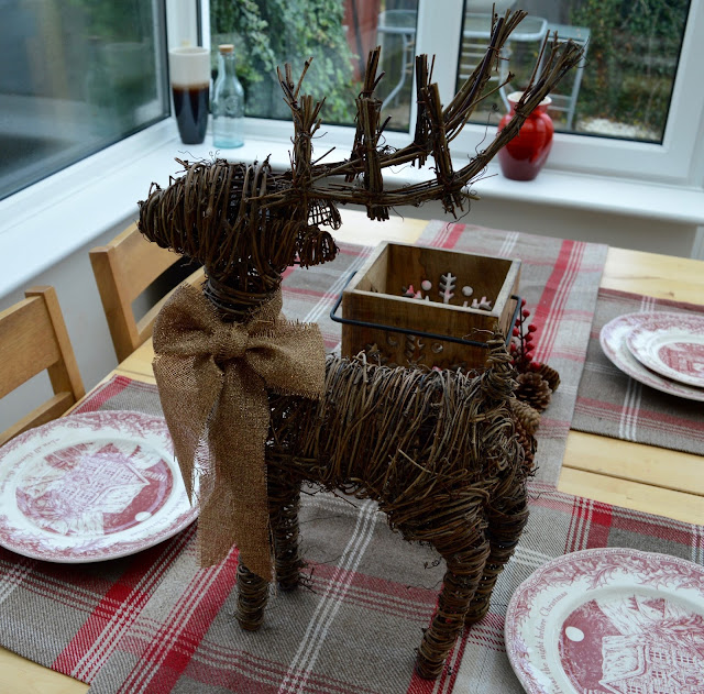 How to host an AWESOME North Pole Christmas Breakfast including tableware from TK Maxx, food ideas and table printables - reindeer centrepiece TK Maxx