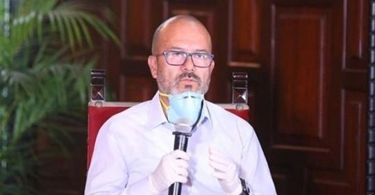 """El ministro de Salud, Víctor Zamora, sostuvo que nos encontramos en un momento """"muy delicado de la pandemia"""