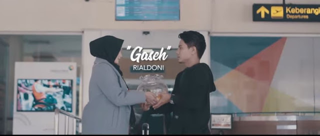 Lirik Lagu Gaseh - Rialdoni (2019)