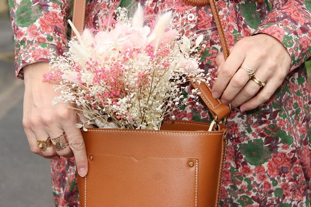 fleurs séchées flowrette, sandales minelli, robe sézane, look du jour, les petites bulles de ma vie