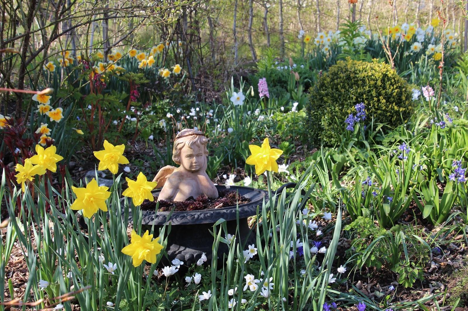 trädgårdsstaty ängel
