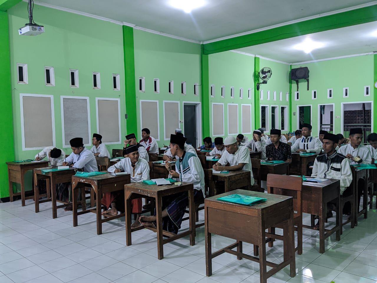 BMH - Pemuda Hidayatullah Jawa Tengah Adakan Pelatihan Jurnalistik
