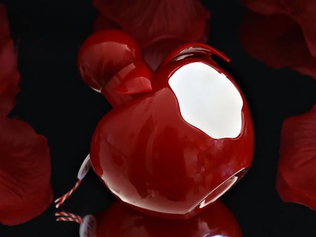 nina rouge revue, parfum au caramel, parfum pomme d'amour, parfum oriental femme, parfum femme pour l'automne, new fragrance