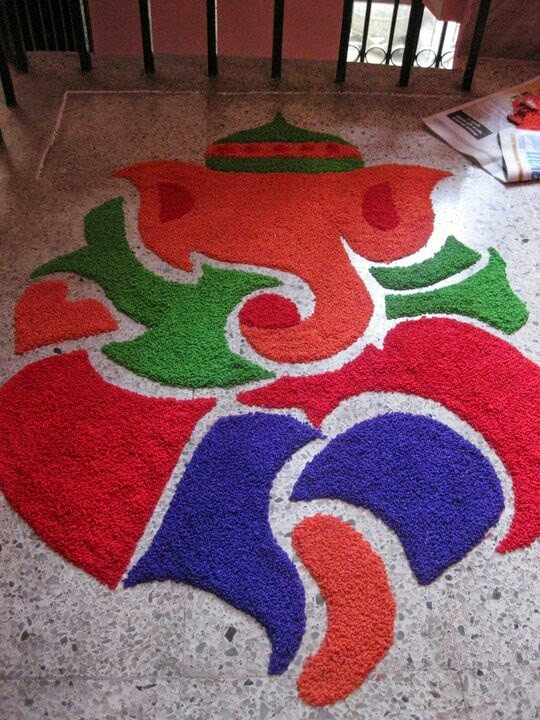 Rangoli Designs and Patterns with Lamps for Diwali 7