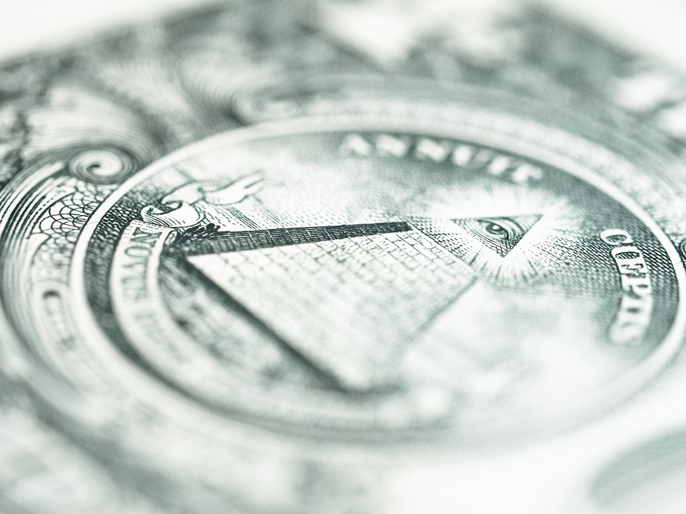 Доллар укрепился против основных валют