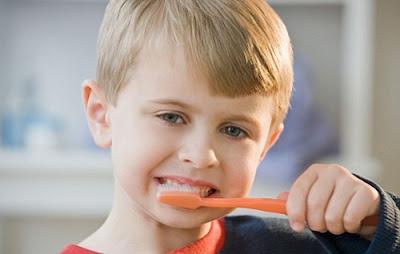 có nên tẩy trắng răng cho trẻ không -20