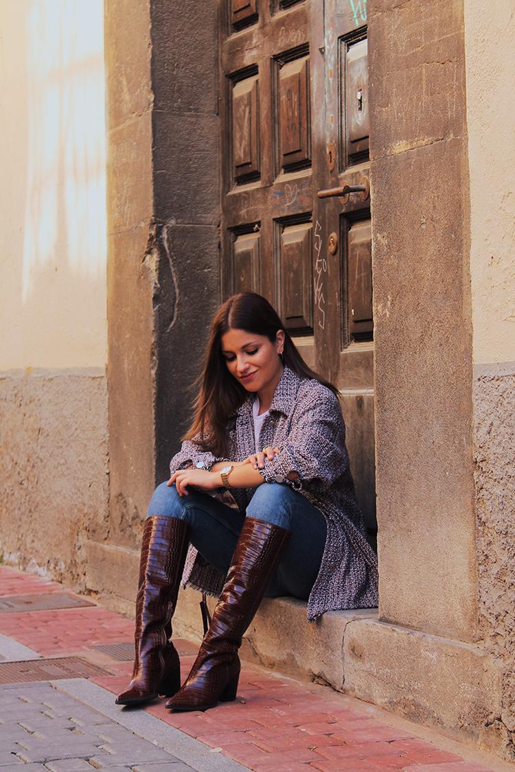 Sobrecamisa tweed & botas altas