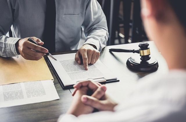 how to find best business lawyer hire top corporate attorney