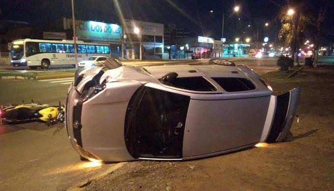 Quatro feridos em colisão na Avenida Flores da Cunha em Cachoeirinha