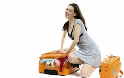 Luggage with clothes7