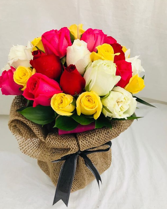 Special Hand Bouquet Singapore Perfect for a Special Occasion