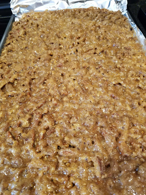graham cracker pecan toffee, homemade toffee, better than pecan pie, holiday dessert, cookie exchange ideas, pecan bark, delicious desserts