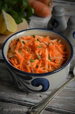 Surówka z rzepy i marchwi – kuchnia podkarpacka