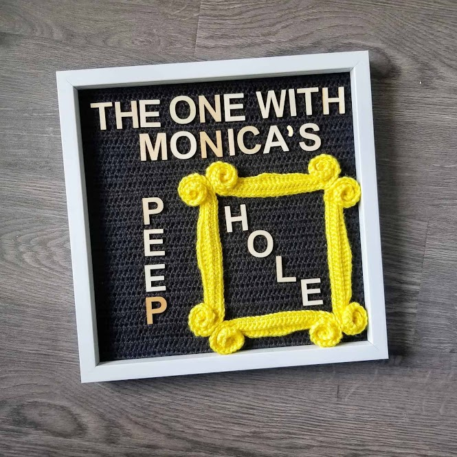 Friends TV Show Monica's Peephole Frame FREE Crochet Pattern