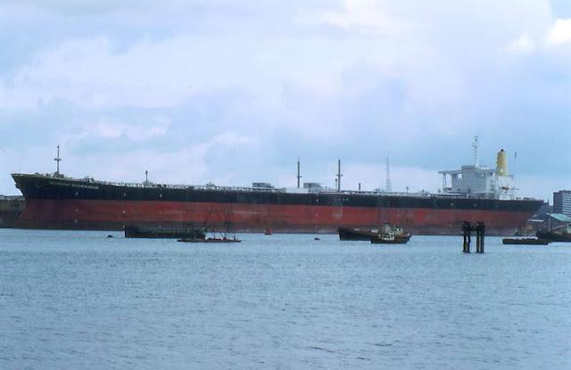 Burmah Endeavour oil tanker