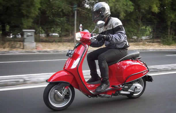 QTimes - Incar Vespa Sprint 150 Bekas Buat Riding Dalam Kota, Segini Harga Pasarannya Sekarang