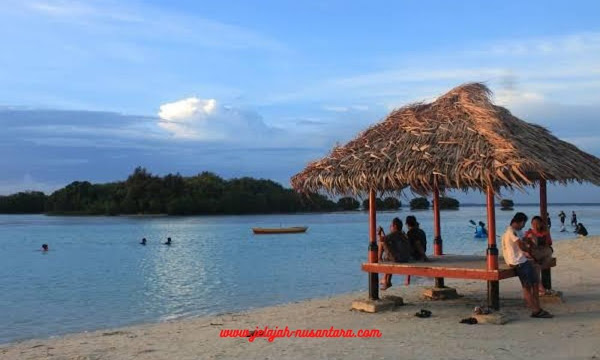 paket wisata open trip pulau pari