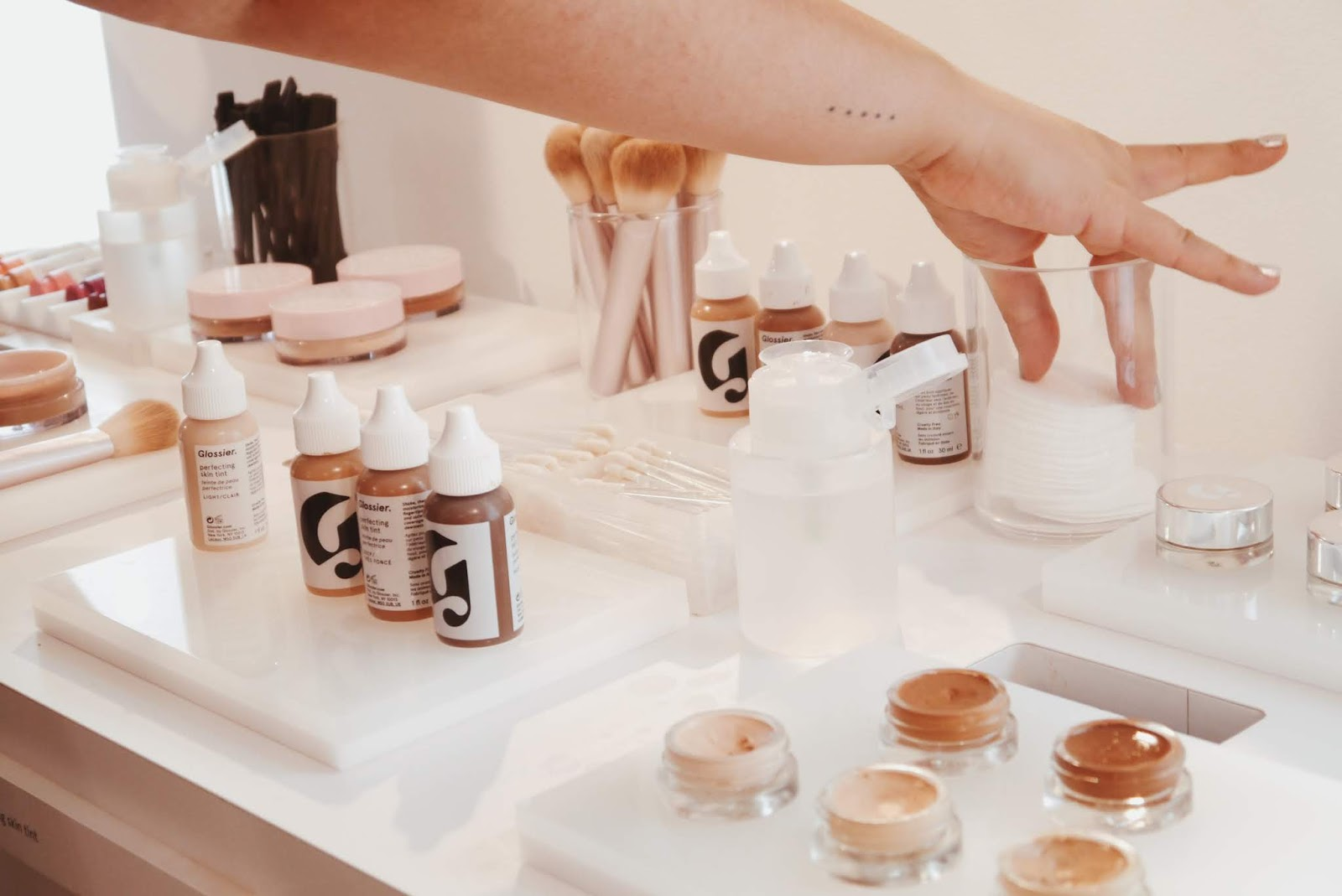 glossier showroom new york nyc noirette diary 1