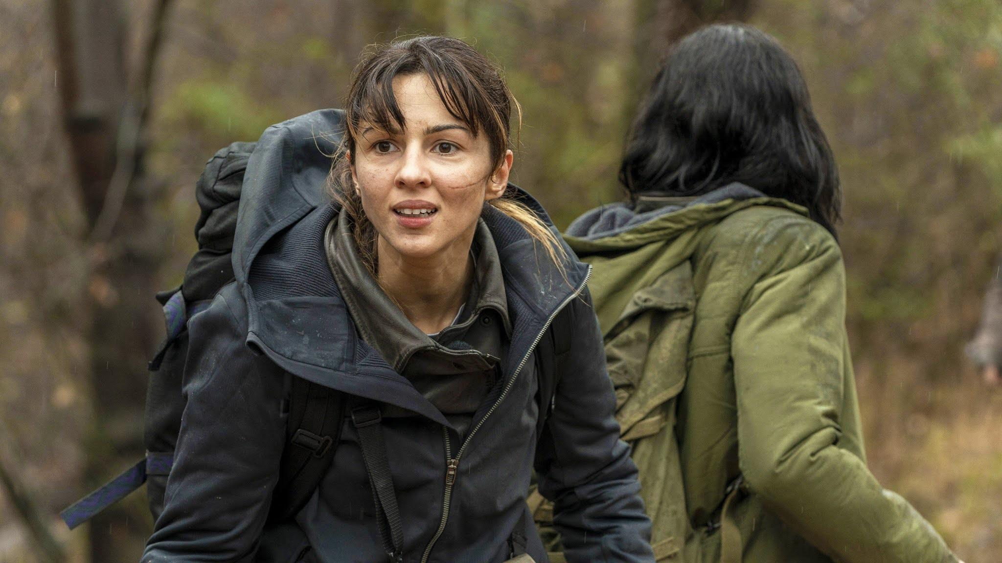 Huck y Hope firman un atregua para luchar contra los emptys en la Season Finale de The Walking Dead World Beyond