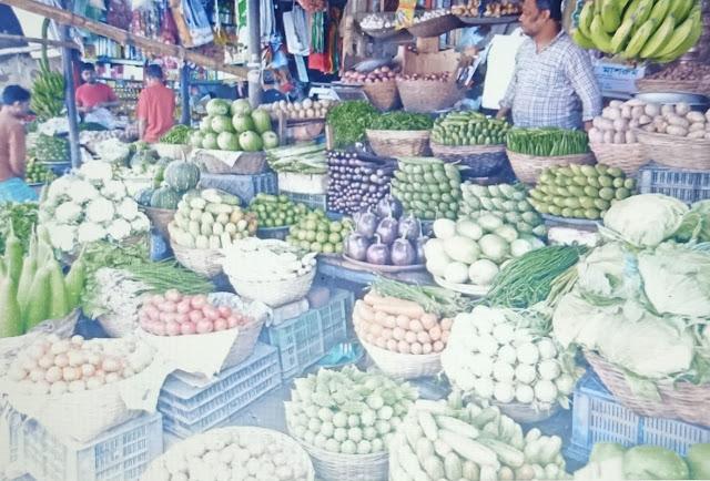 कोरोना वायरस से बचने के लिए बाजार से खरीदी हुई सब्जियों को नींबू, सिरके या गर्म पानी से धोएं