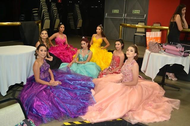 Vereador Gil Gera presenteia 18 jovens de baixa renda com baile de Debutantes em Colombo