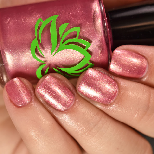 soothing-soul-nail-lacquers-toes-in-the-sand-2