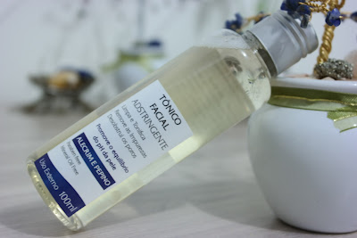 pele oleosa, acne, cravos, limpeza, tonificação da pele, sabonete adstringente, tônico facial adstringente