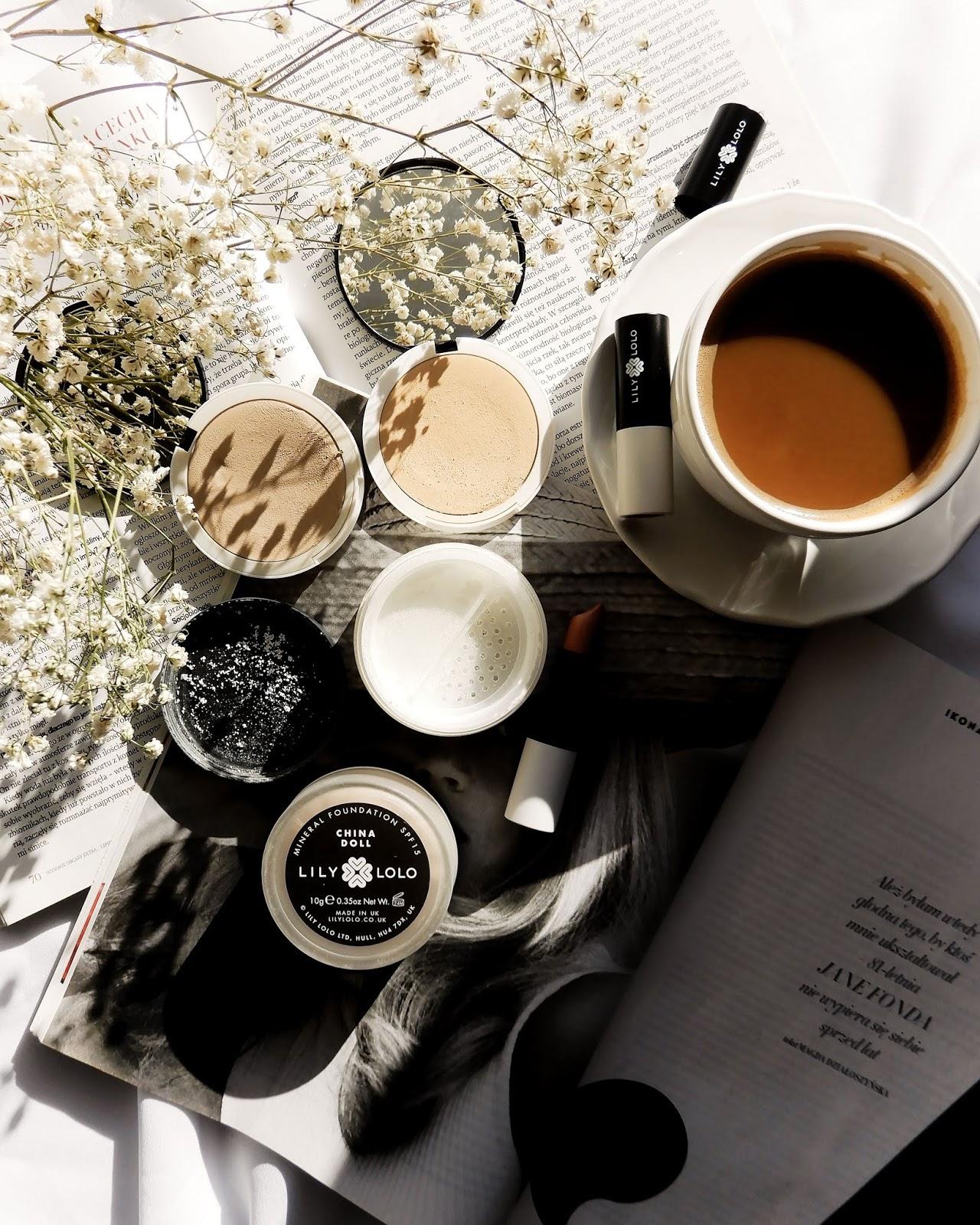Mineralny marzec! | Lily Lolo Kremowy podkład, Puder Flawless Matte & Wegańskie nudziaki na usta
