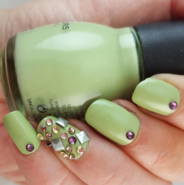 3d-nail-art-accent-nail
