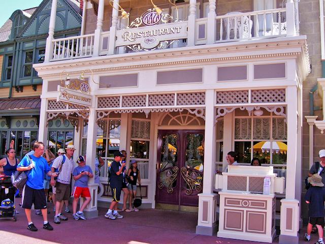 Informações do restaurante The Plaza na Disney
