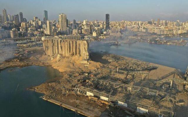 Περίπου 2.750 τόνοι νιτρικού αμμωνίου βρίσκονταν στην αποθήκη στο λιμάνι της Βηρυτού που εξερράγη χθες Τρίτη, προκαλώντας δεκάδες θανάτους, χιλιάδες τραυματισμούς και ζημιές άνευ προηγουμένου στην πρωτεύουσα του Λιβάνου, στηλίτευσε ο πρωθυπουργός της χώρας Χασάν Ντιάμπ.
