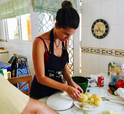 cocinando el relleno de las samosas