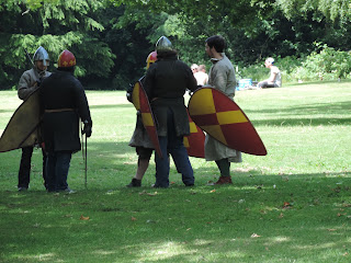 civil war re enactment swordfighting parctice