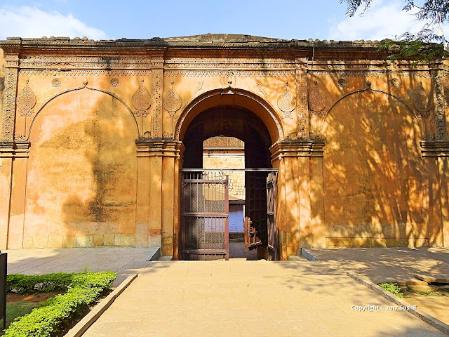 Current Mani Gate of Bangalore Fort (sonesrs.blogspot.in)